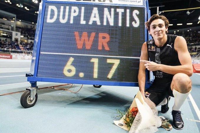 Armand Duplantis sets new pole vault world record