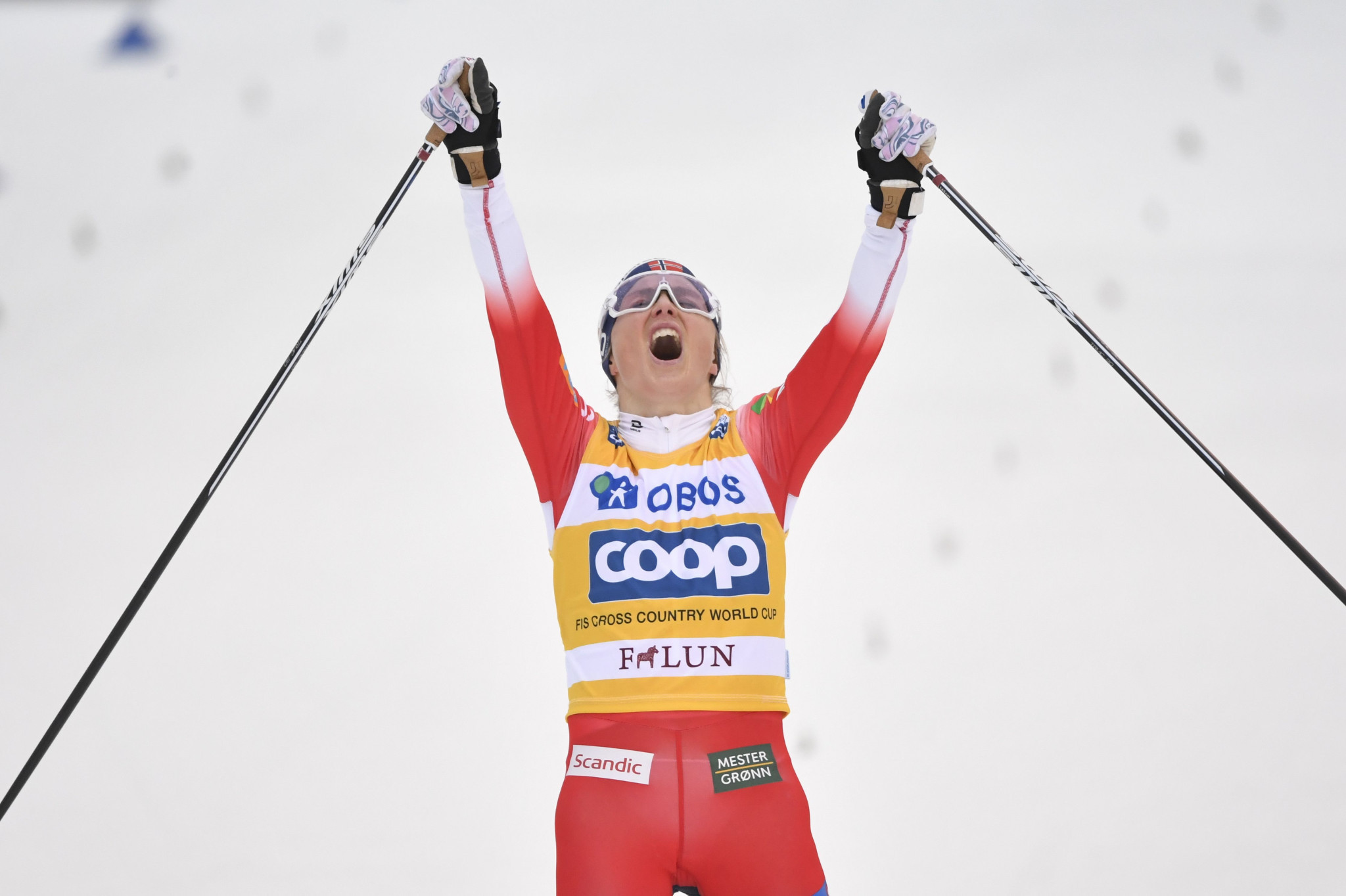 Bolshunov and Johaug win in Falun to extend FIS Cross-Country World Cup lead
