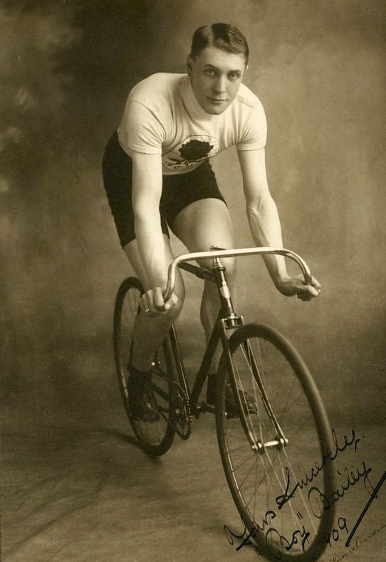 Medals and badges from British four-time world cycling champion up for auction