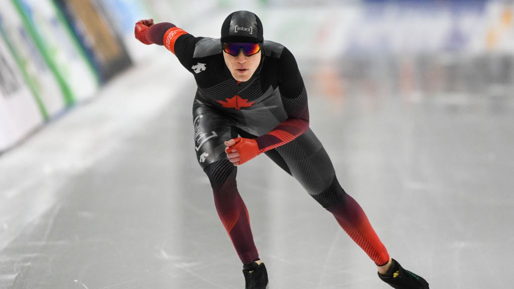 Graeme Fish breaks 10,000m record on way to ISU World Single Distances Speed Skating Championships title