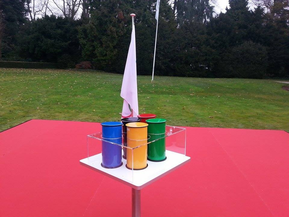 Five cylinders depicting the colours of the Olympic Rings were unveiled during the ceremony