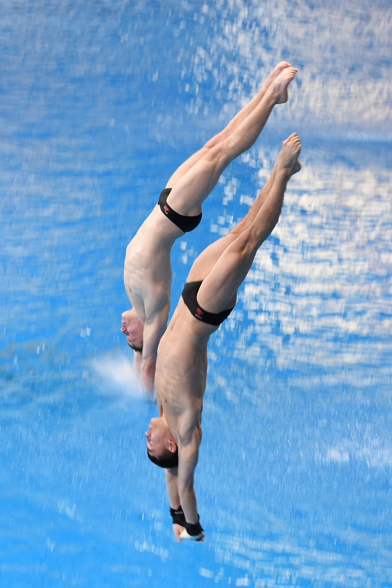 Canadian duo Laurent Gosselin-Paradis and Ethan Pitman's lead in the men's 10m synchro was never in doubt, as they won gold in Madrid ©Getty Images