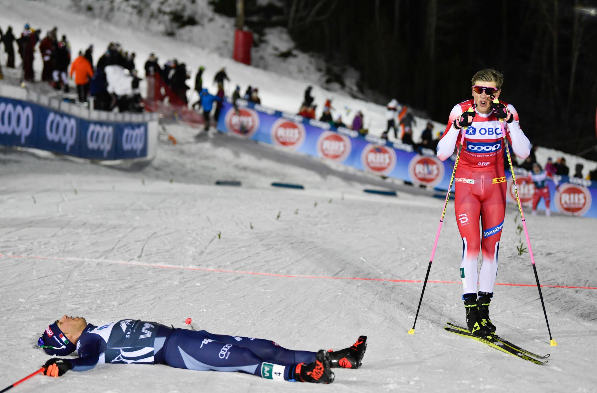 Johannes Høsflot Klæbo, right, beat Italy's Federico Pellegrino in the men's sprint final ©Getty Images