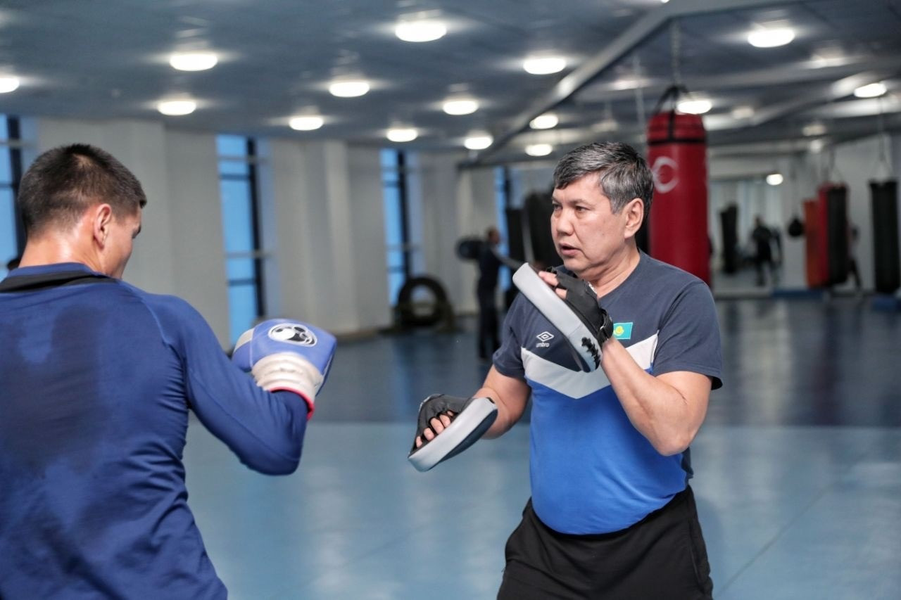 Galymbek Kenzhebayev is the head coach of the Kazakhstan men's boxing team ©HOK