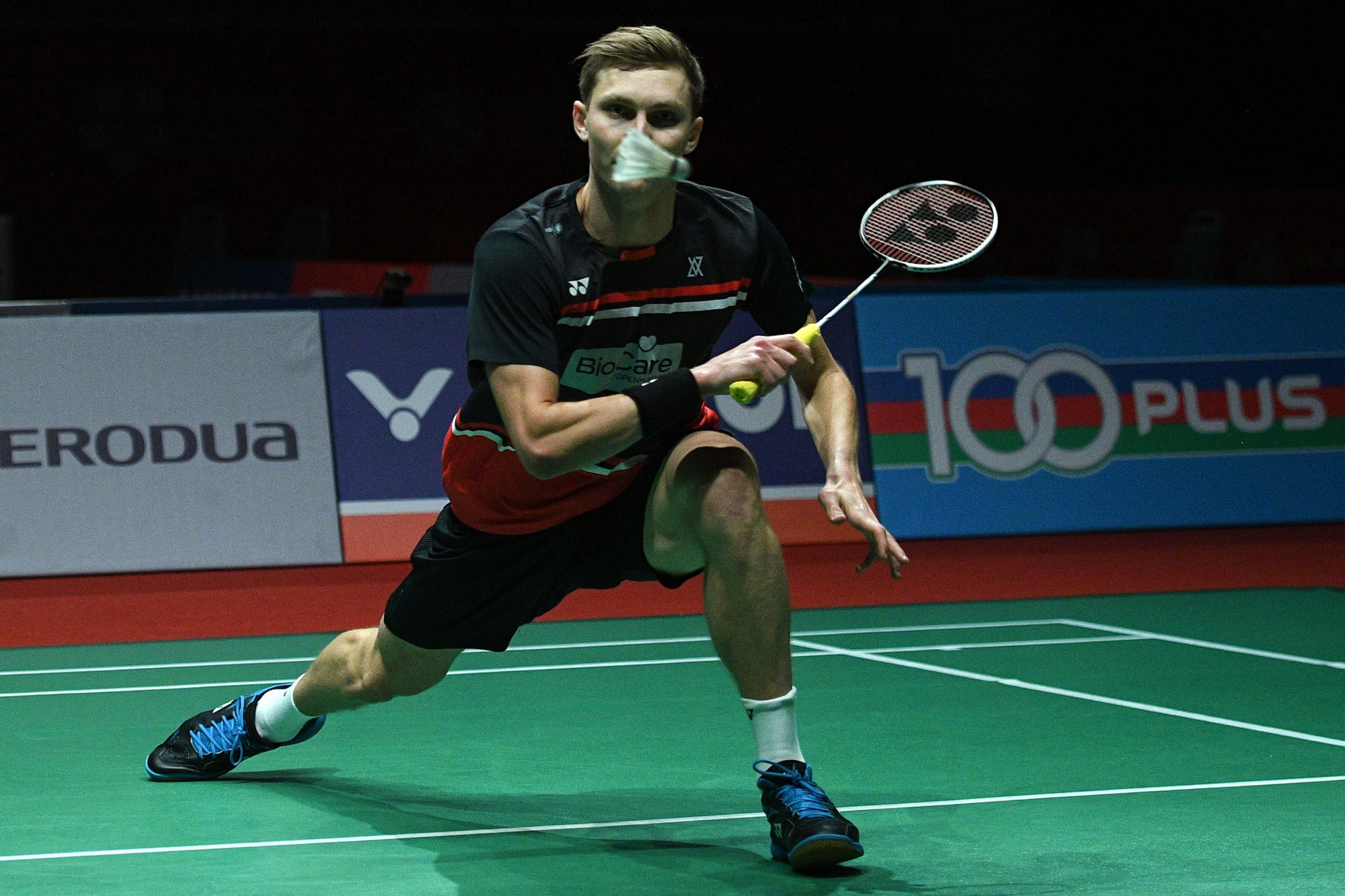 Defending champion Axelsen through to last eight at BWF Barcelona Spain Masters