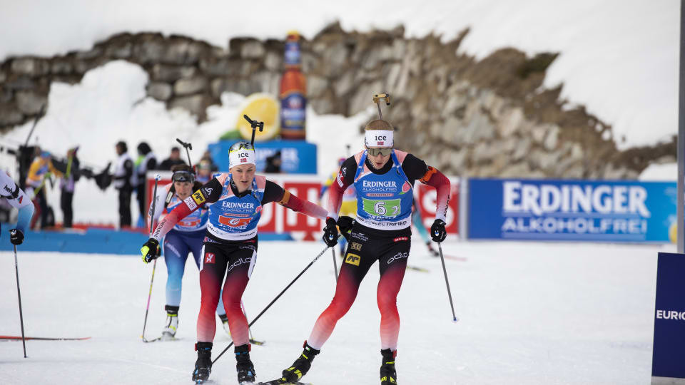 Norwegian pair Marte Olsbu Røiselan and Thingnes Bø produced a solid performance to take mixed relay gold at the Biathlon World Championships in Antholz-Anterselva ©IBU