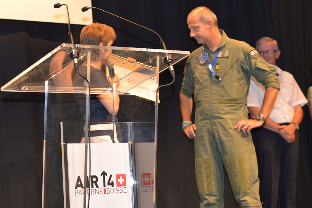 Former F-18 fighter pilot Ian Logan was presented with the Diplôme d'Honneur by the World Air Sports Federation for his