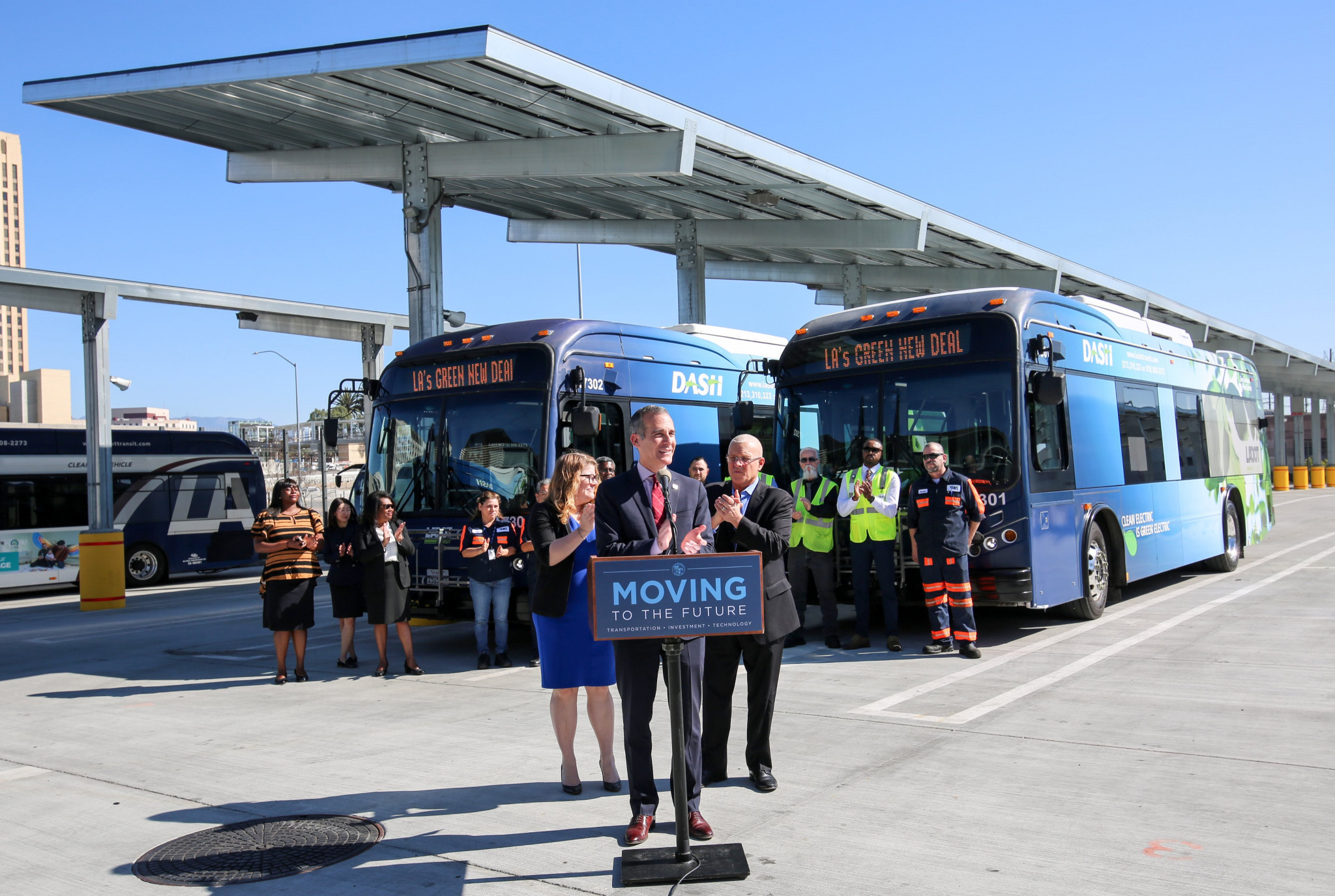 Los Angeles places largest order for electric buses in US history in time for 2028 Olympics