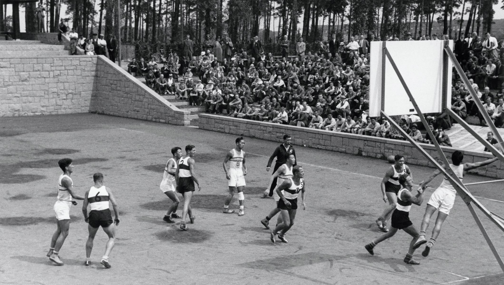 The first full Olympic basketball competition at the 1936 Berlin Games took place outdoors on sand and clay tennis courts ©Getty Images