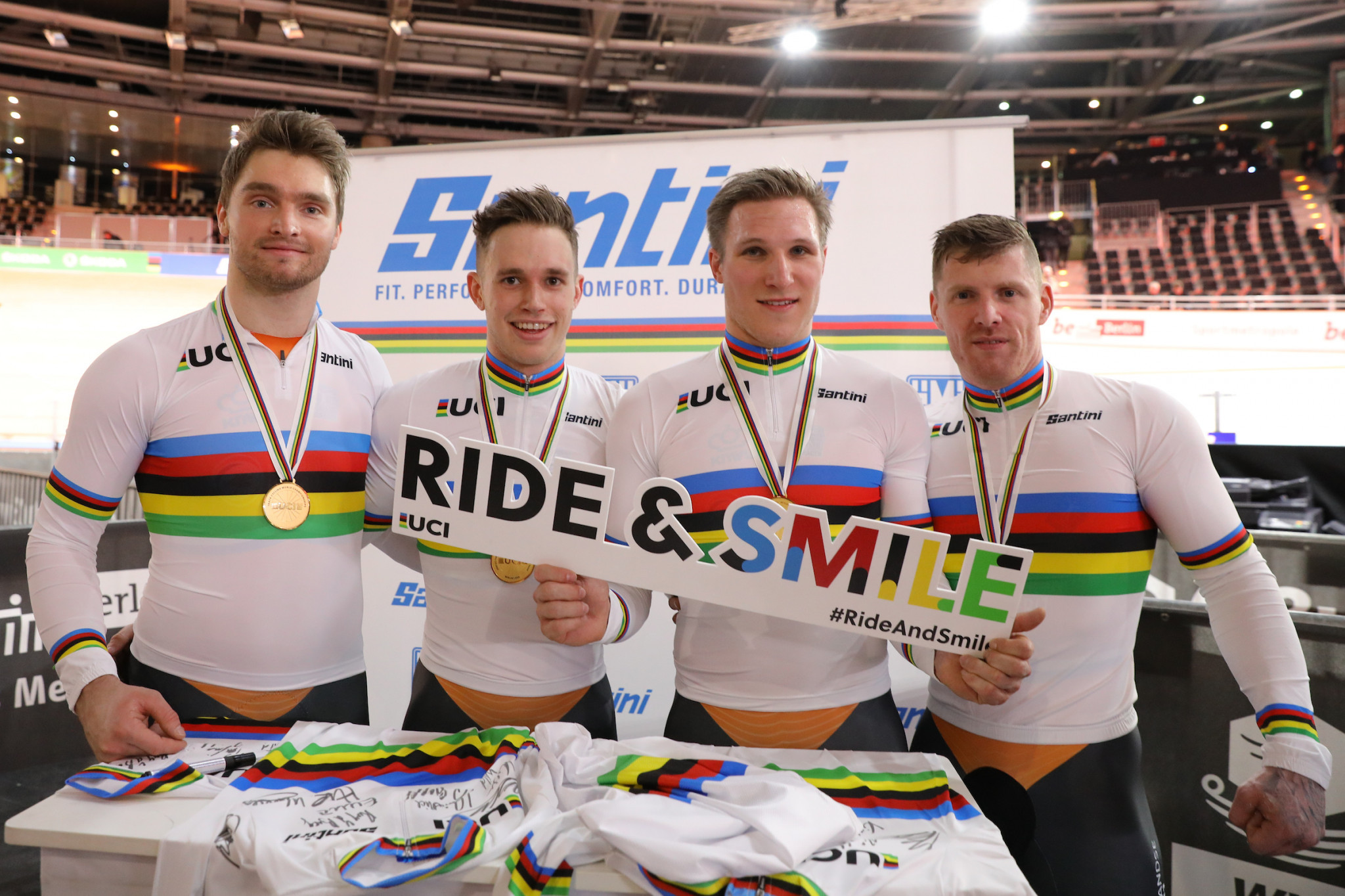Gold and world record for Netherlands in men's team sprint on opening day of World Track Cycling Championships