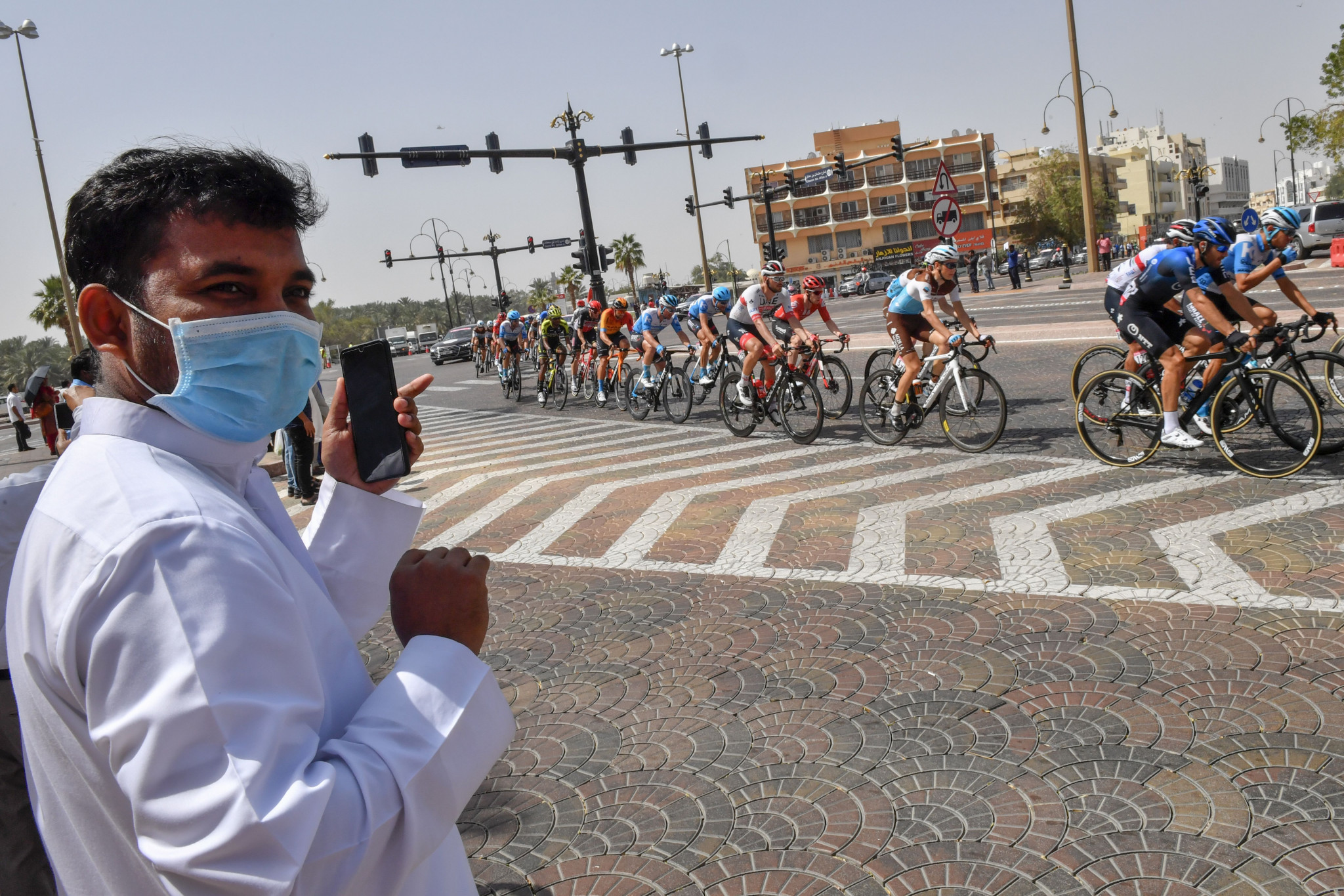 UAE Tour cancelled as two staff members test positive for coronavirus