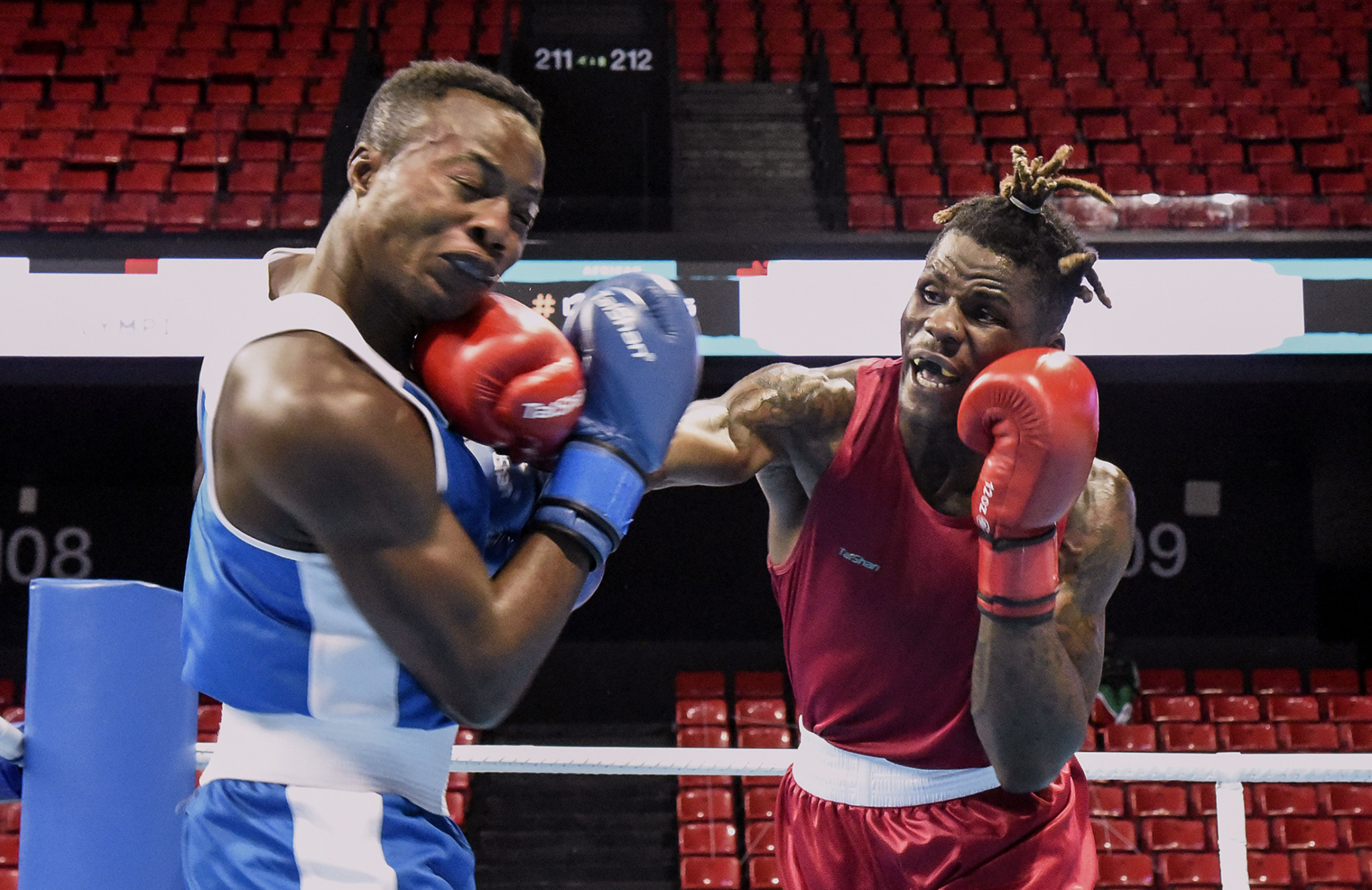 Wilfred Seyi Ntsengue, right, qualified for the boxing event at Tokyo 2020 ©Getty Images