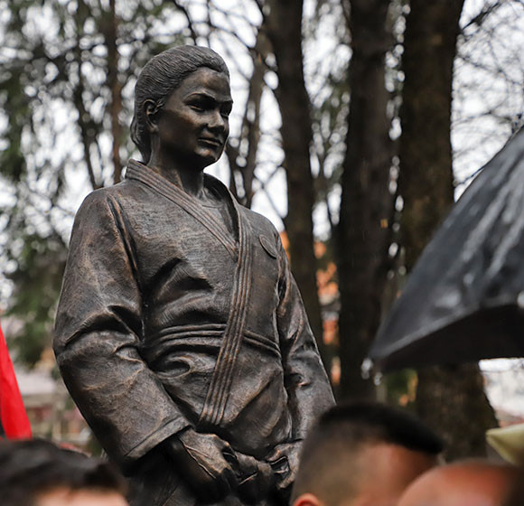 Kosovan judo star Kelmendi given statue in hometown of Peja