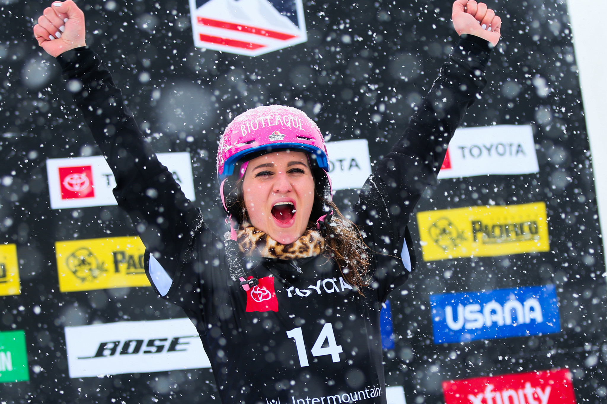 Hofmeister wins FIS Alpine Snowboard World Cup in Blue Mountain to claim parallel giant slalom crystal globe