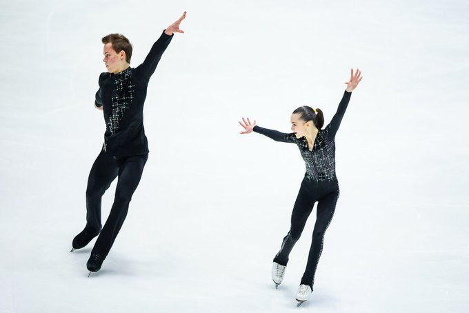 Panfilova and Rylov win pairs gold at ISU World Junior Figure Skating Championships
