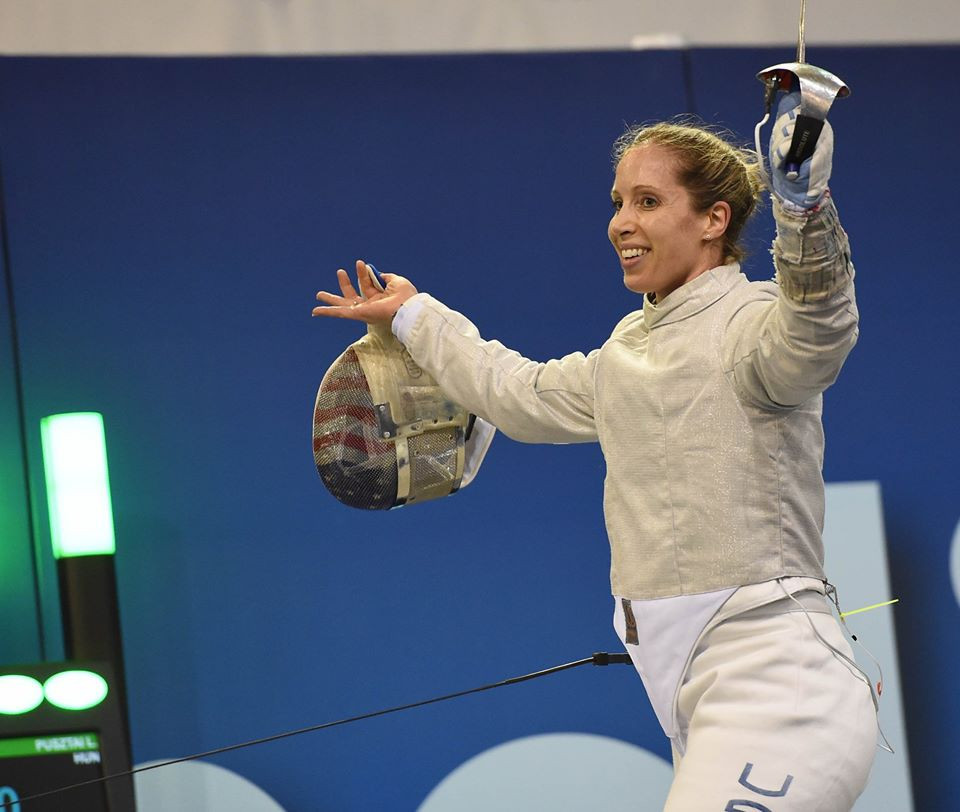 The United States' Mariel Zagunis came out on top at the FIE Sabre World Cup for women in Athens ©Eva Pavía/#BizziTeam