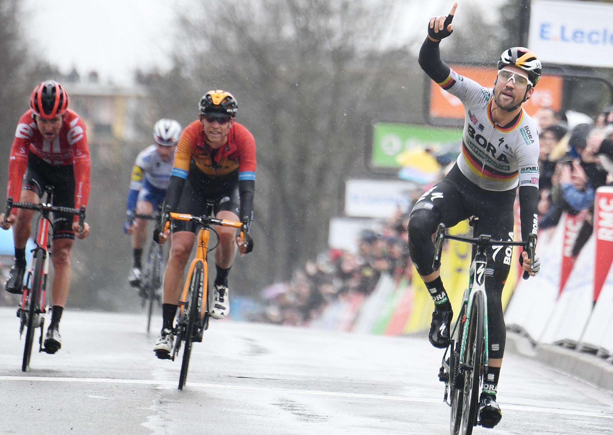 Schachmann wins from breakaway as Paris-Nice begins