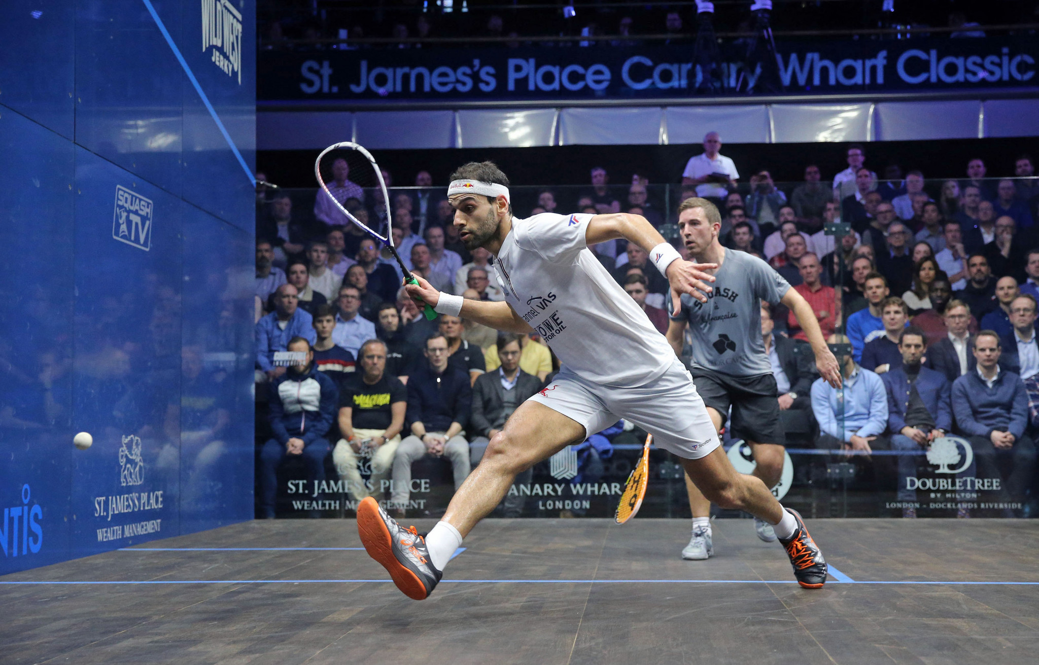 Egypt's Mohamed ElShorbagy beat France's Mathieu Castagnet to reach the quarter-finals at the St James's Place Canary Wharf Classic ©PSA