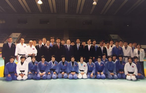 Marius Vizer visited North Korea in November to hold talks over the 2017 Junior World Championships ©IJF