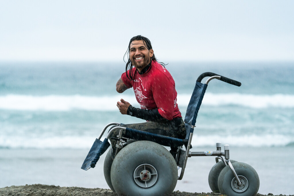 Mike Vaz shines on day two of of ISA World Para Surfing Championships