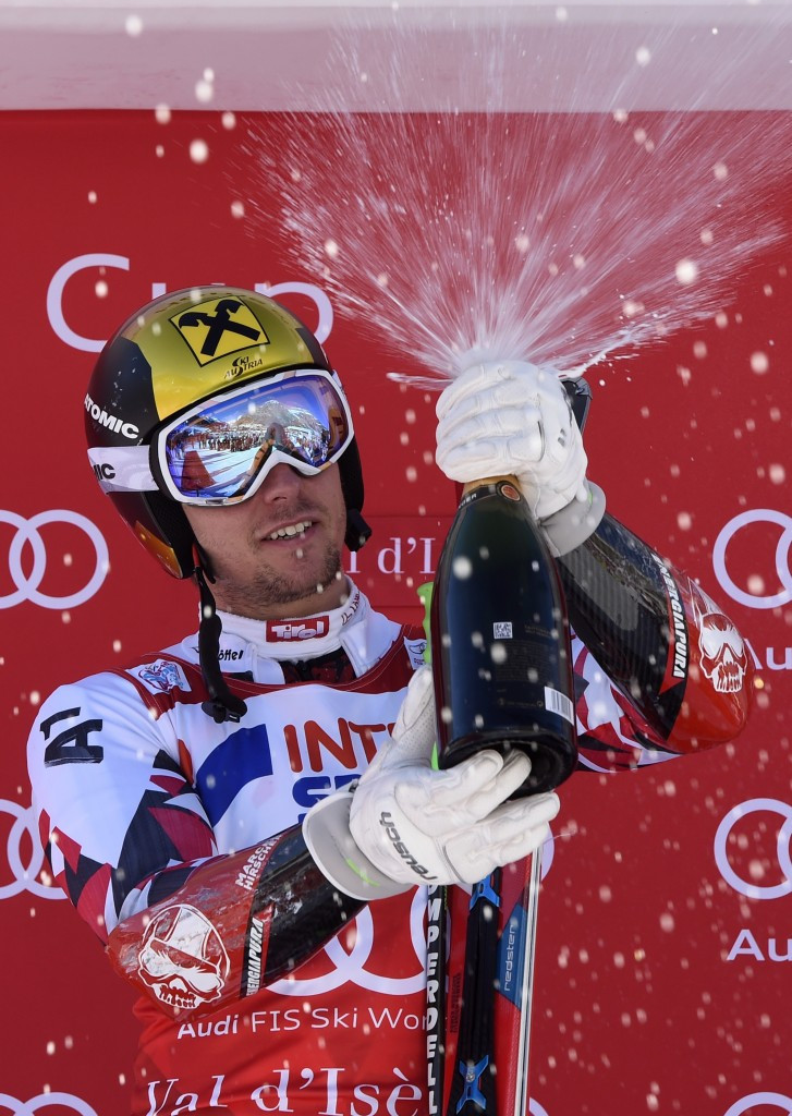 Hirscher roars to second giant slalom win of FIS World Cup season as Vonn tops podium again