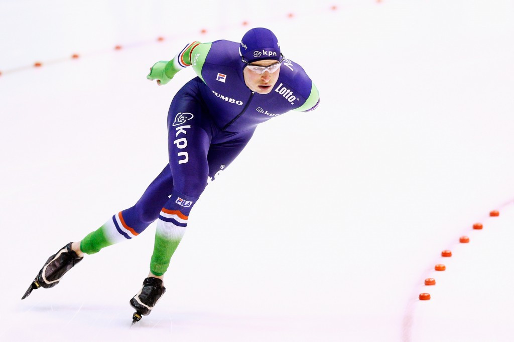 Kramer shines in front of home fans at ISU Speed Skating World Cup