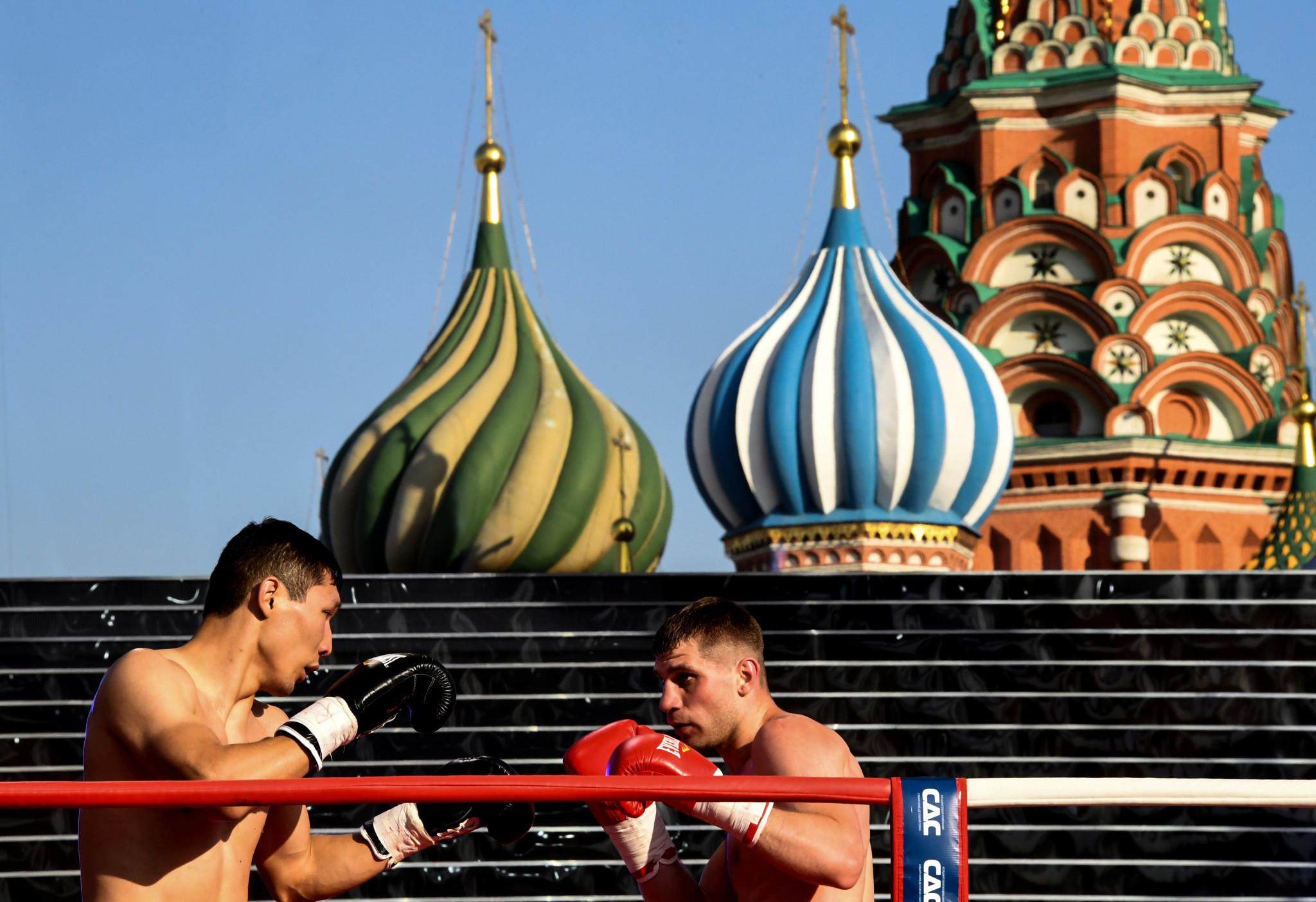 Boxing shows have taken place in Red Square in Moscow for International Boxing Day ©Getty Images