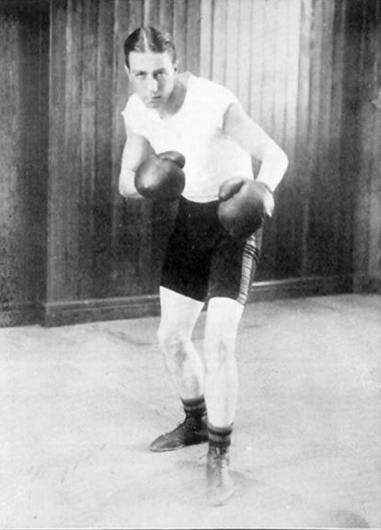 Great Britain's John H. Douglas, the 1908 Olympic middleweight gold medallist and an England cricketer, is appointed President ©Wikipedia