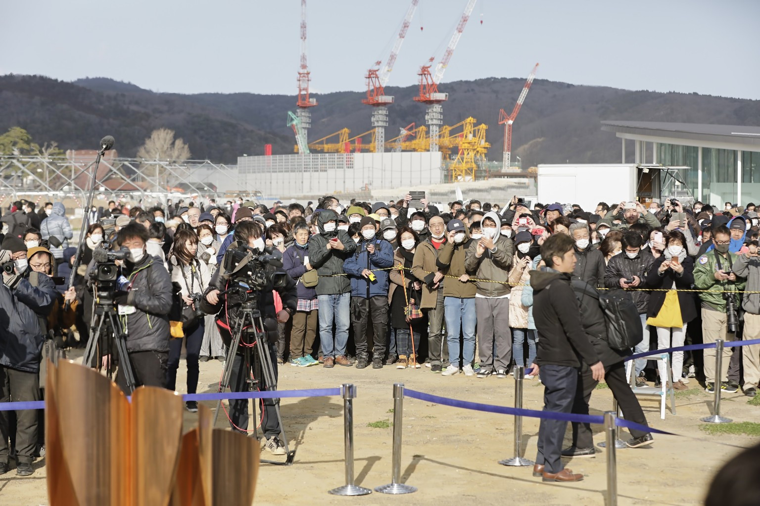 Large crowds have previously gathered to see the Olympic Flame in Japan, despite warnings not to do so because of the coronavirus pandemic ©Tokyo 2020
