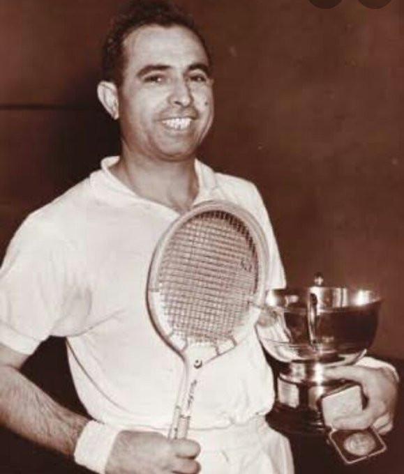 Four-time British Open winner Khan dies from coronavirus aged 95