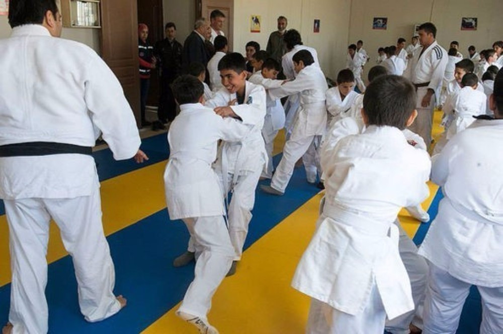 The IJF hope the programme acts as a distraction, provide meaningful activity and happiness to those affected by conflict