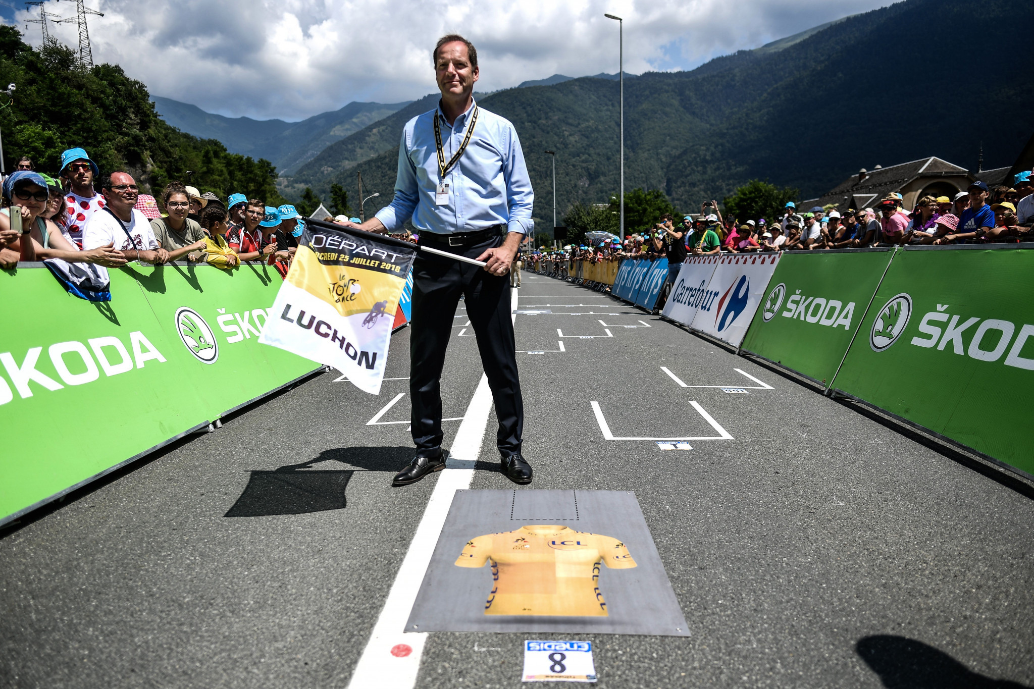"Tour de France will not take place ""behind closed doors"" says race's director"