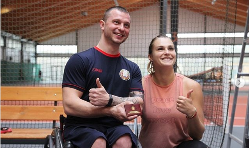 Sabalenka presents master of sport certificates to Belarusian wheelchair tennis players