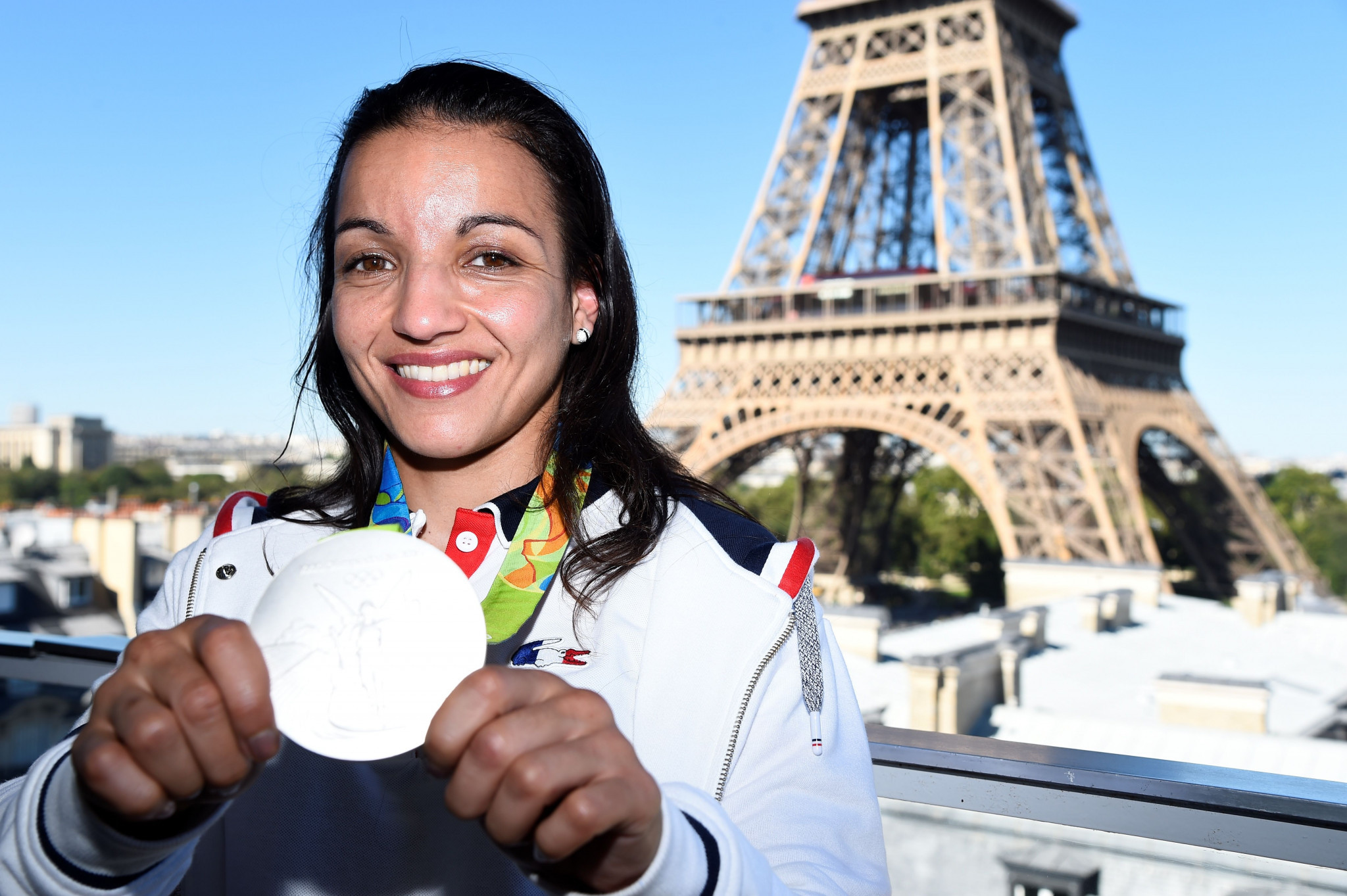 Paris 2024 hosts discussions with athletes in isolation