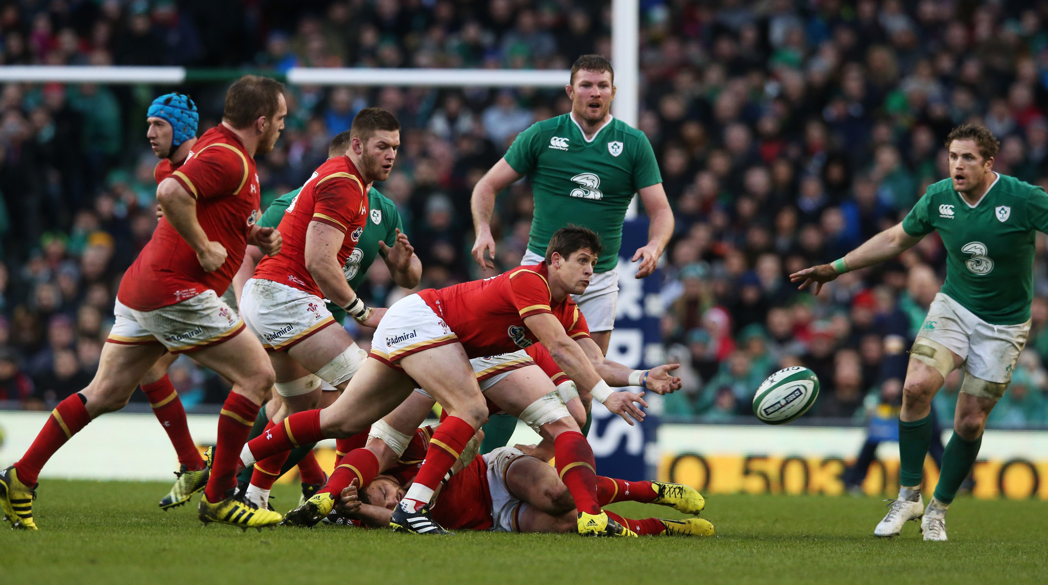 World Rugby have changed their breakdown laws to prevent injuries ©Getty Images