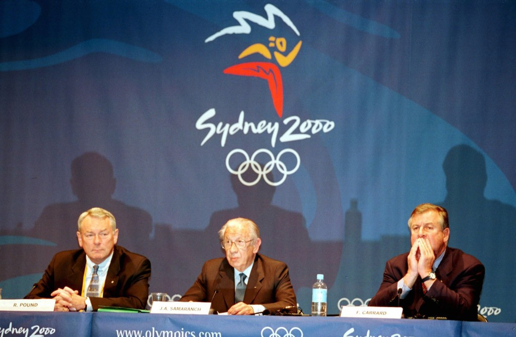 Dick Pound (left) alongside Juan Antonio Samaranch (centre) and former IOC director general Francois Carrard at Sydney 2000 ©Getty Images