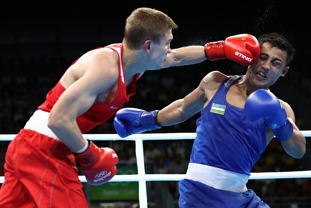 Vitaly Dunaytsev, left, claimed bronze in the light welterweight event at Rio 2016 ©Getty Images