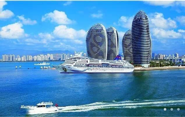 The man-made Phoenix Island is one of Sanya's main attractions ©OCA