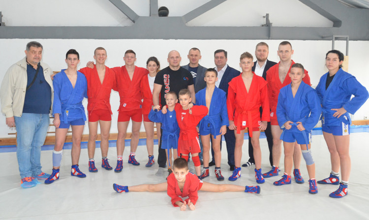 Youth sambo project in Ukraine powers on despite quarantine