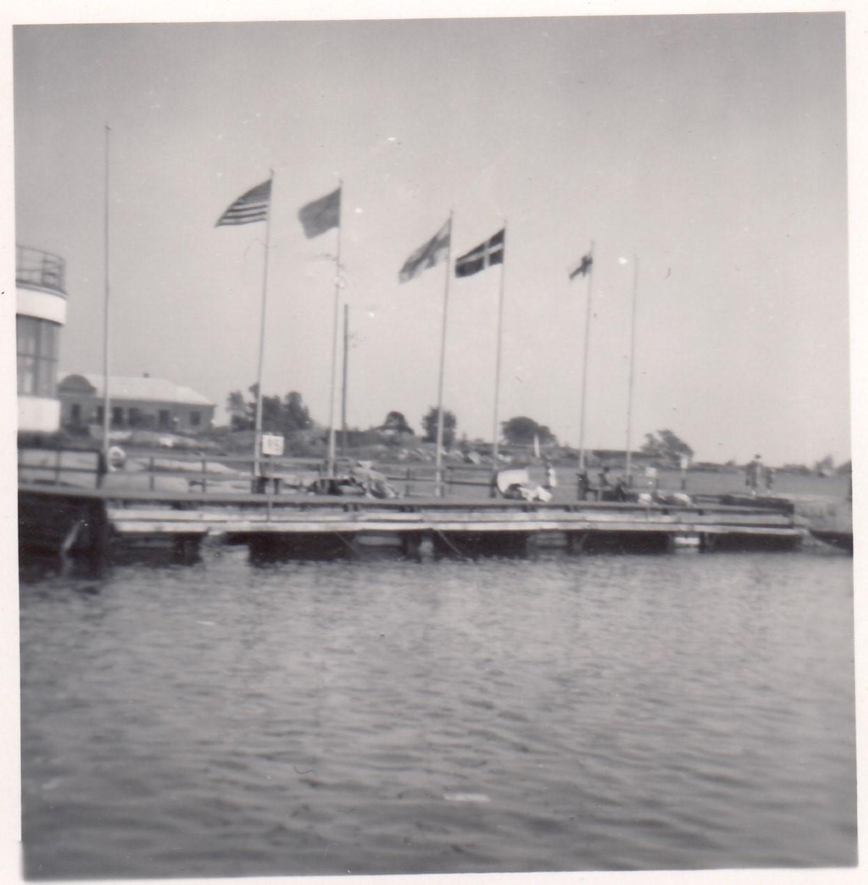 Le drapeau des îles Féroé a flotté lors de la cérémonie de clôture des Jeux olympiques de 1952 après que les Chinois ont quitté l'événement tôt © Súsanna í Búðini