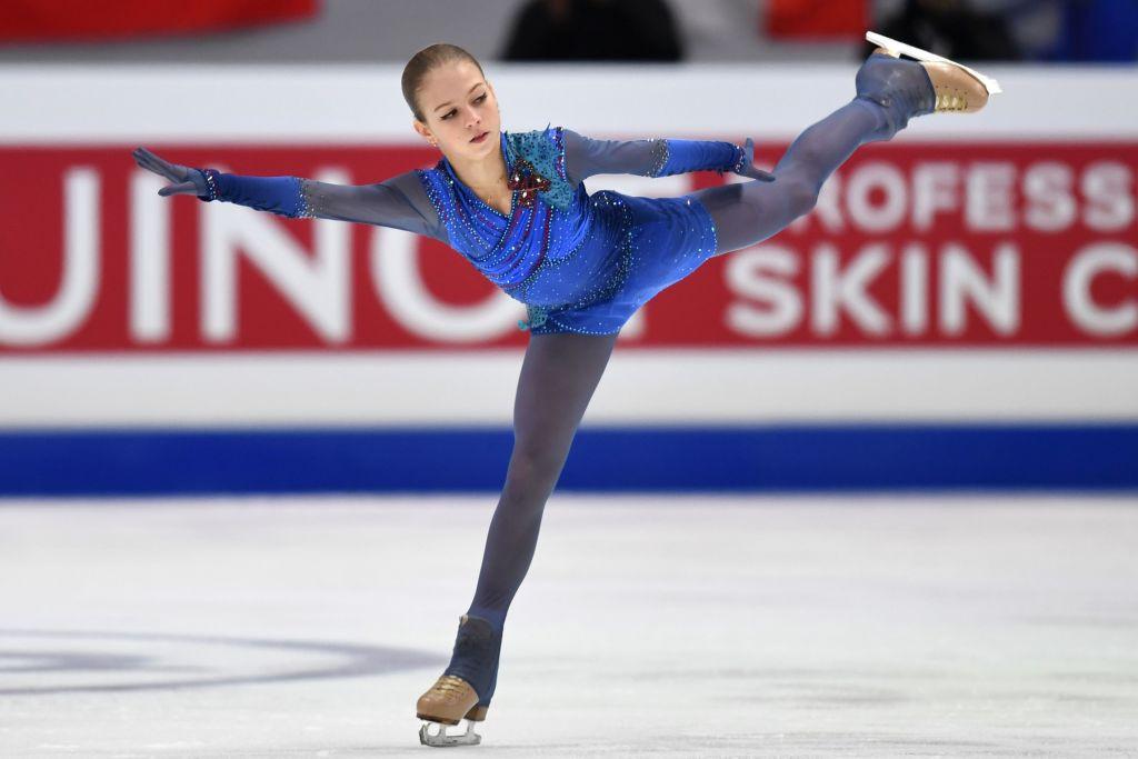 Russian figure skating star Trusova switches coach prior to new season