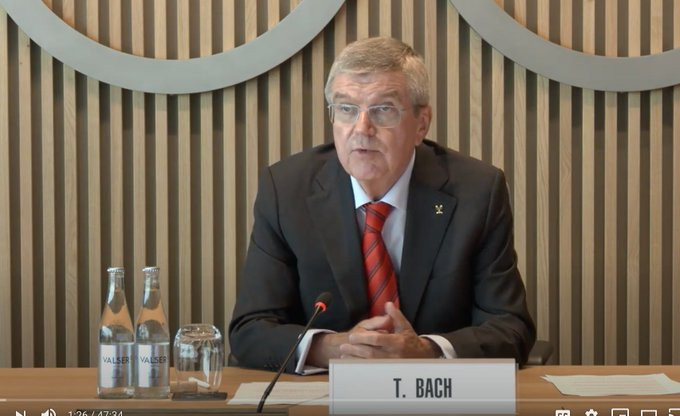 Bach and new Japanese Prime Minister hold talks on postponed Tokyo 2020 Olympics