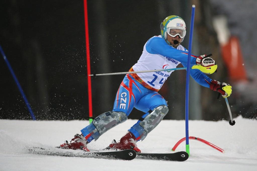 IPC Alpine Skiing World Championship bronze medallist bidding to qualify for Rio 2016 Paralympic Games marathon