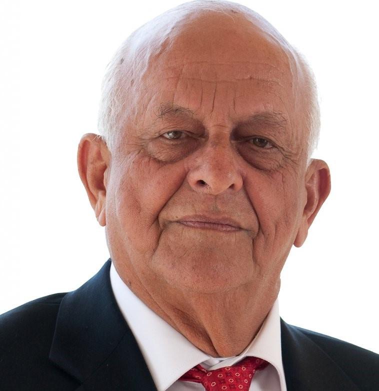 FINA pay tribute to controversial former Bureau member Nunes Filho