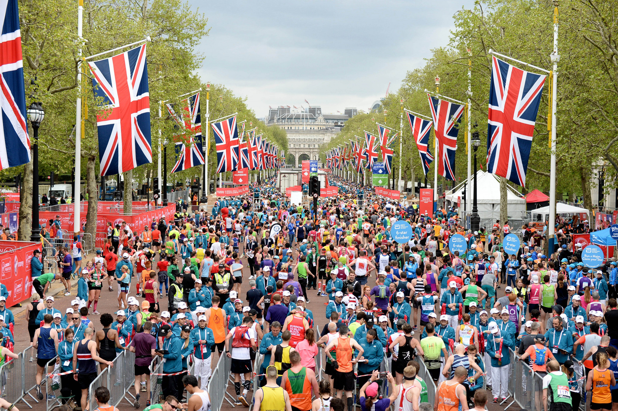"London Marathon director Hugh Brasher has said he ""cannot be certain if the event can go ahead"" in a letter to those running the 26.2 mile race ©Getty Images"
