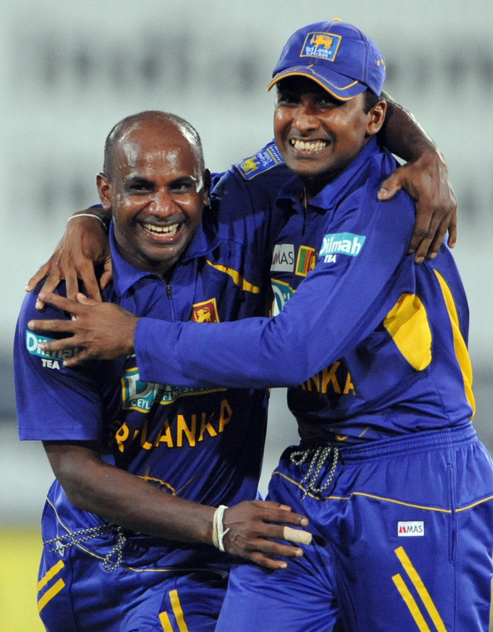 Sri Lanka scraps plans for new stadium following Jayawardene and Jayasuriya advice