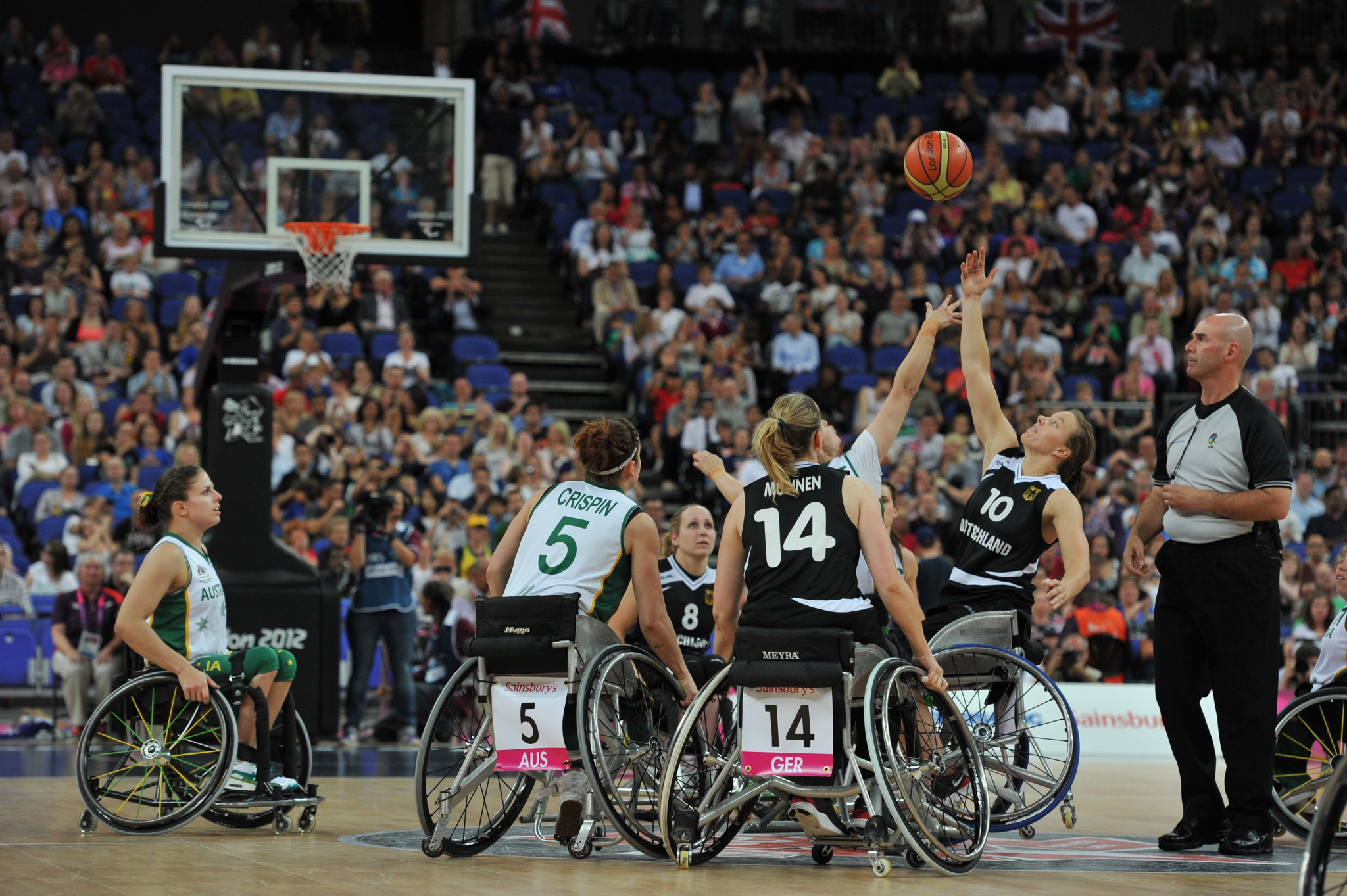 Wheelchair basketball rulebook published in Brazilian Portuguese