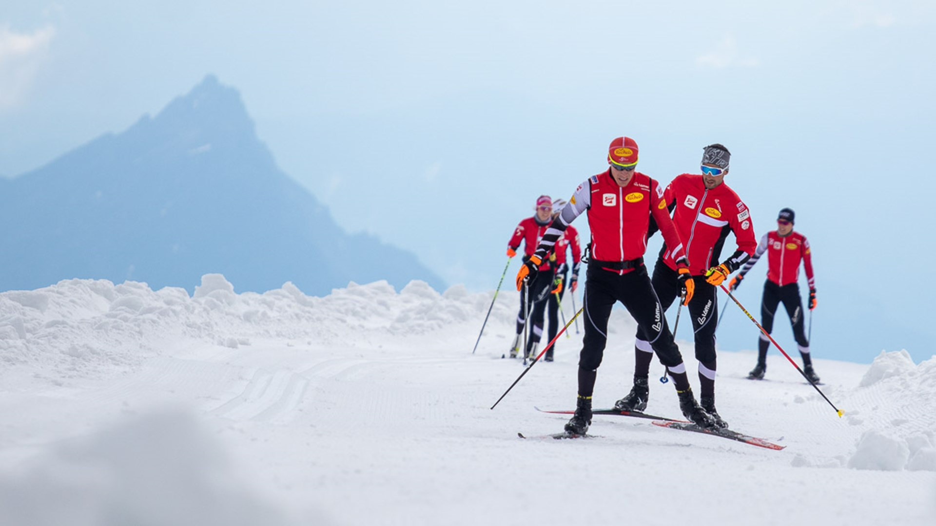 Austrian Nordic combined team able to train as a group on Dachstein Glacier