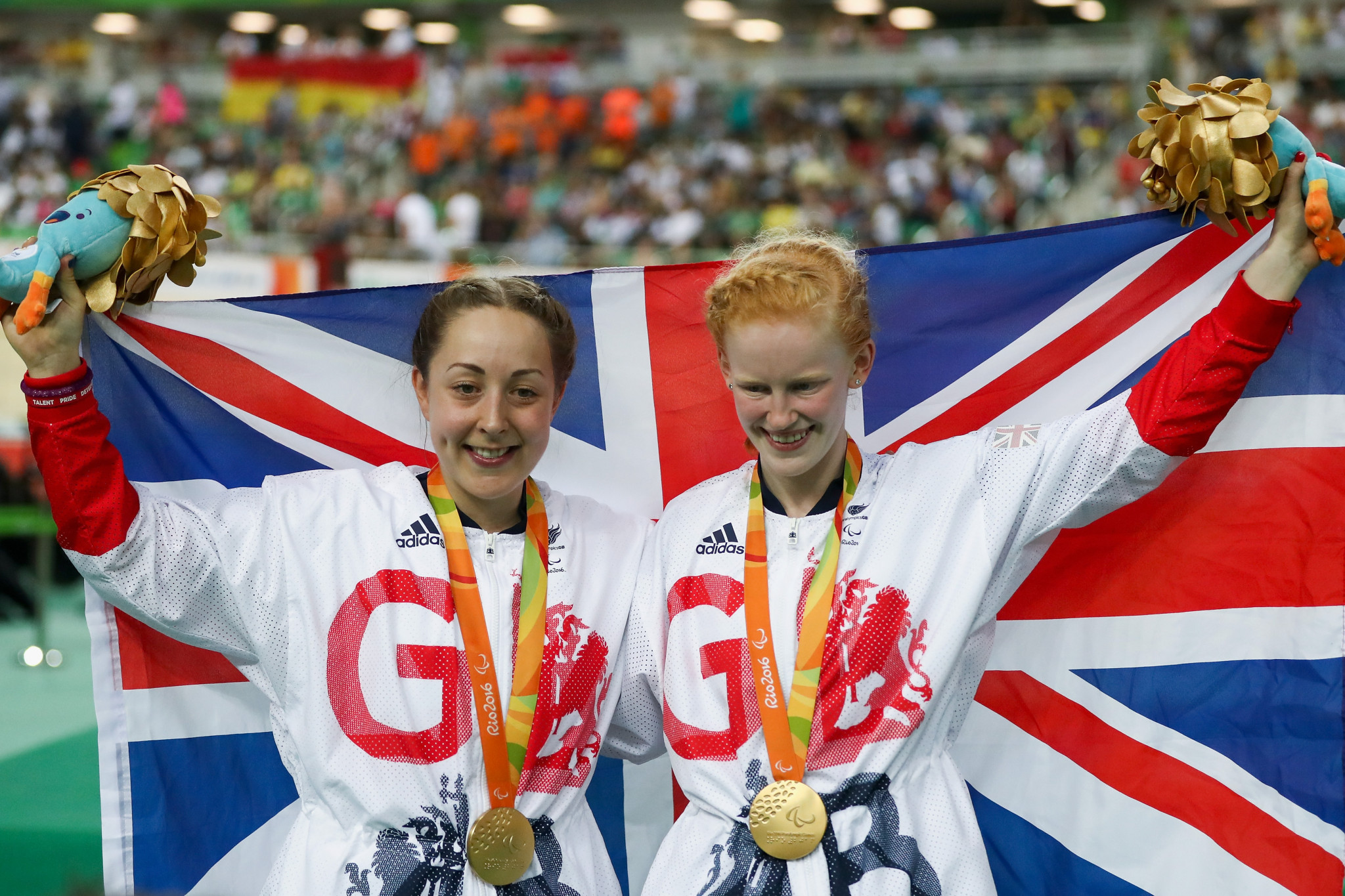 Sophie Thornhill, right, has retired from Para-cycling ©Getty Images