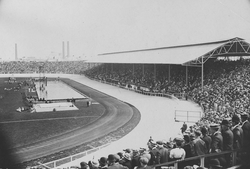 White City Stadium at Shephard's Bush where the Olympic Games were held in London. © Hulton Archive/Getty Images.